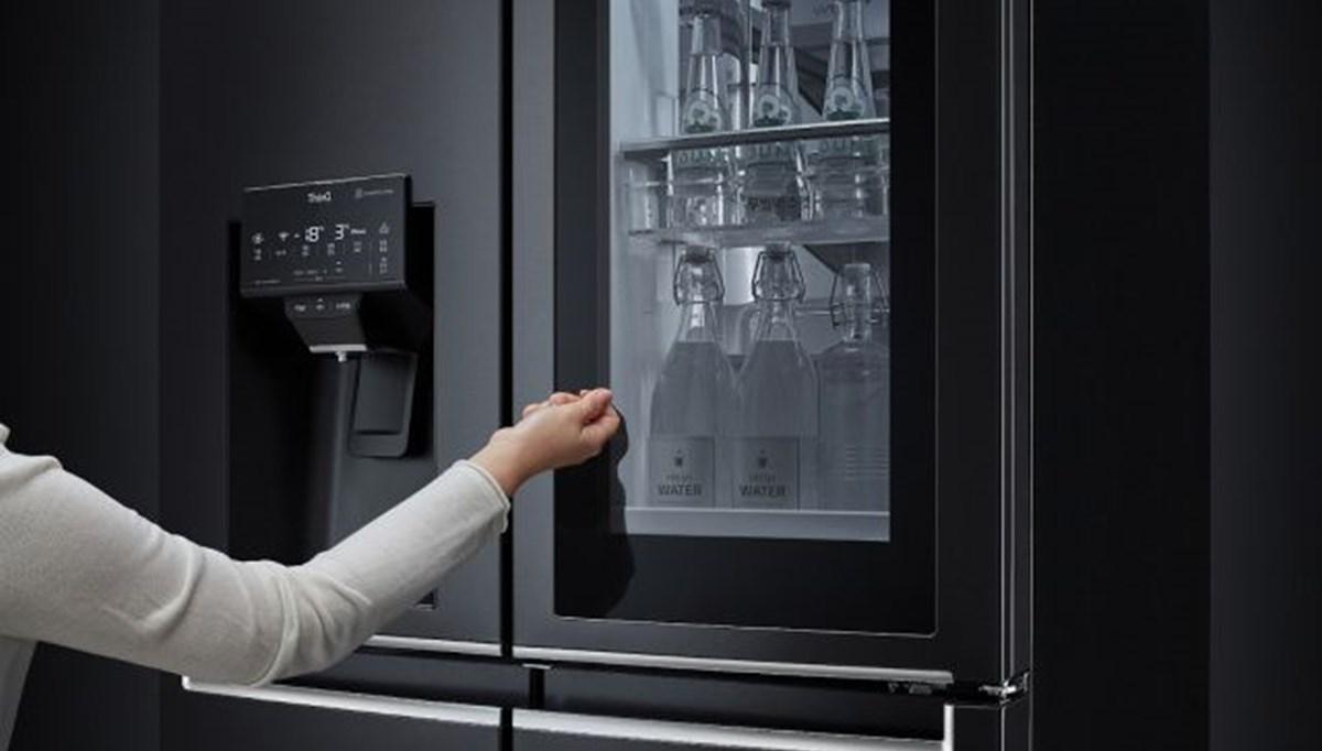 Bu buzdolabı sesli komut ile açılıyor