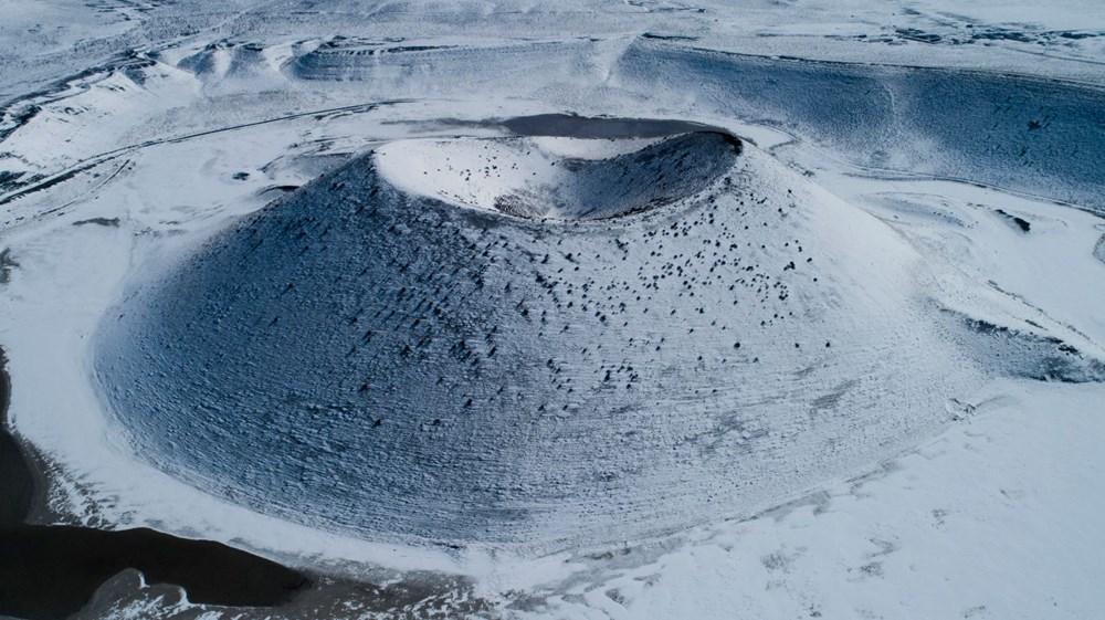 'Evil eye bead of the world' Meke Lake is white - 4