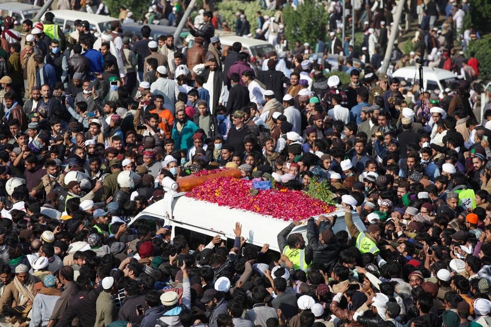 Pakistan'da on binler cenazeye katıldı - 4