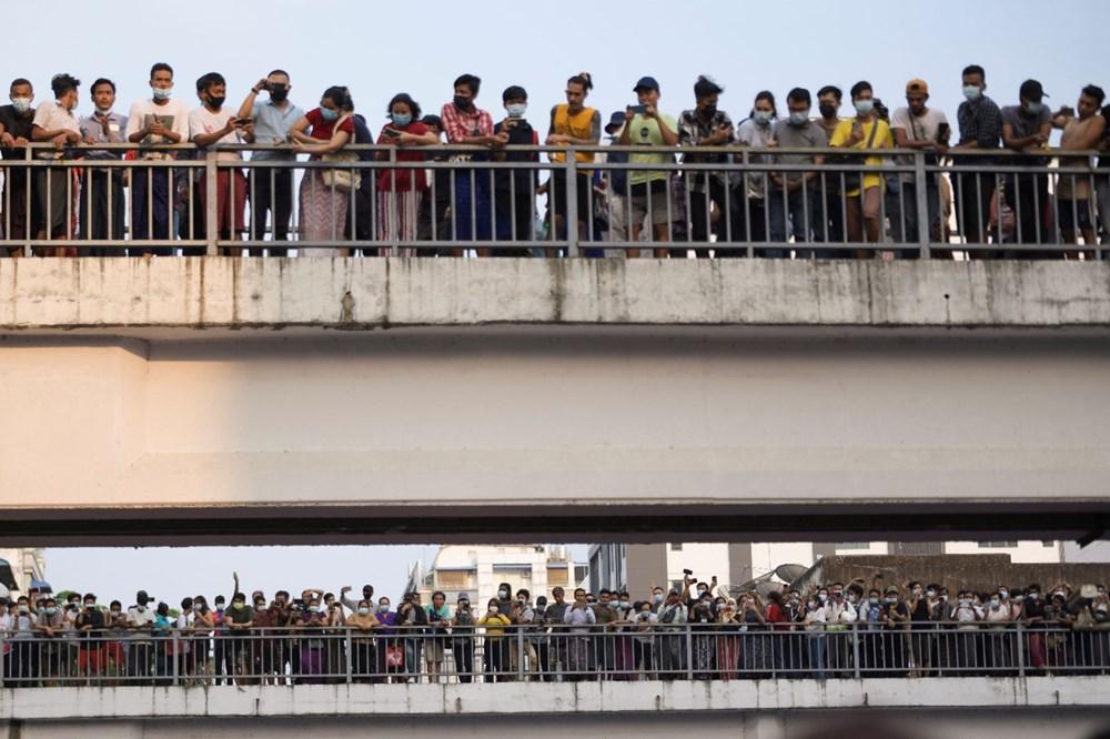 Myanmar'da on binlerce kişi cuntaya meydan okudu - 3