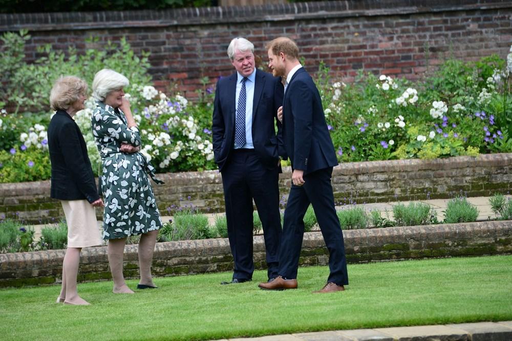 Prenses Diana'nın 60'ıncı doğum gününde Kensington Sarayı'nda heykelinin açılışı yapıldı - 15