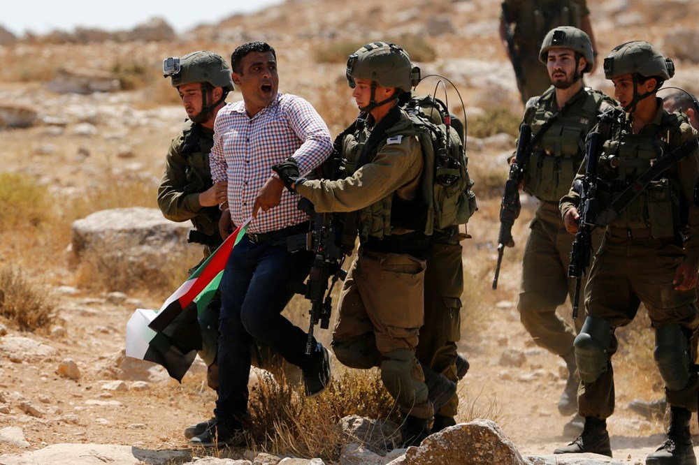 Intervensi keras dari tentara Israel ke Palestina - 4