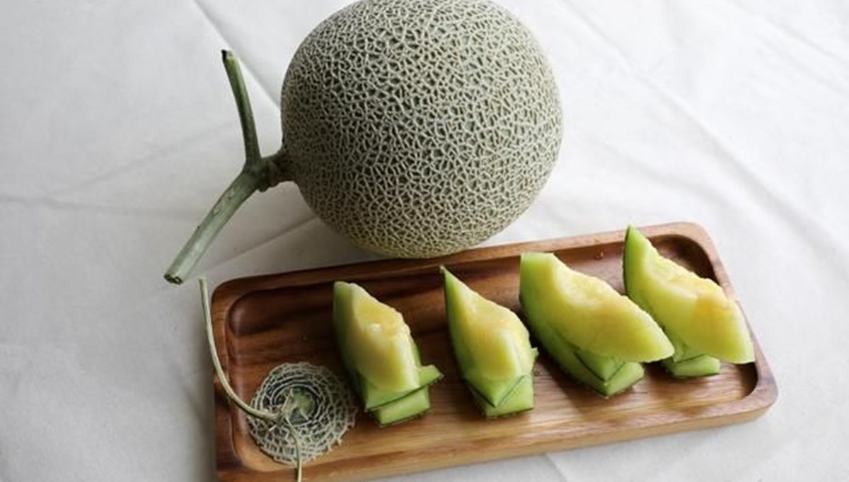 Melons sold at auction in Japan: 2.7 million yen, 2 of which