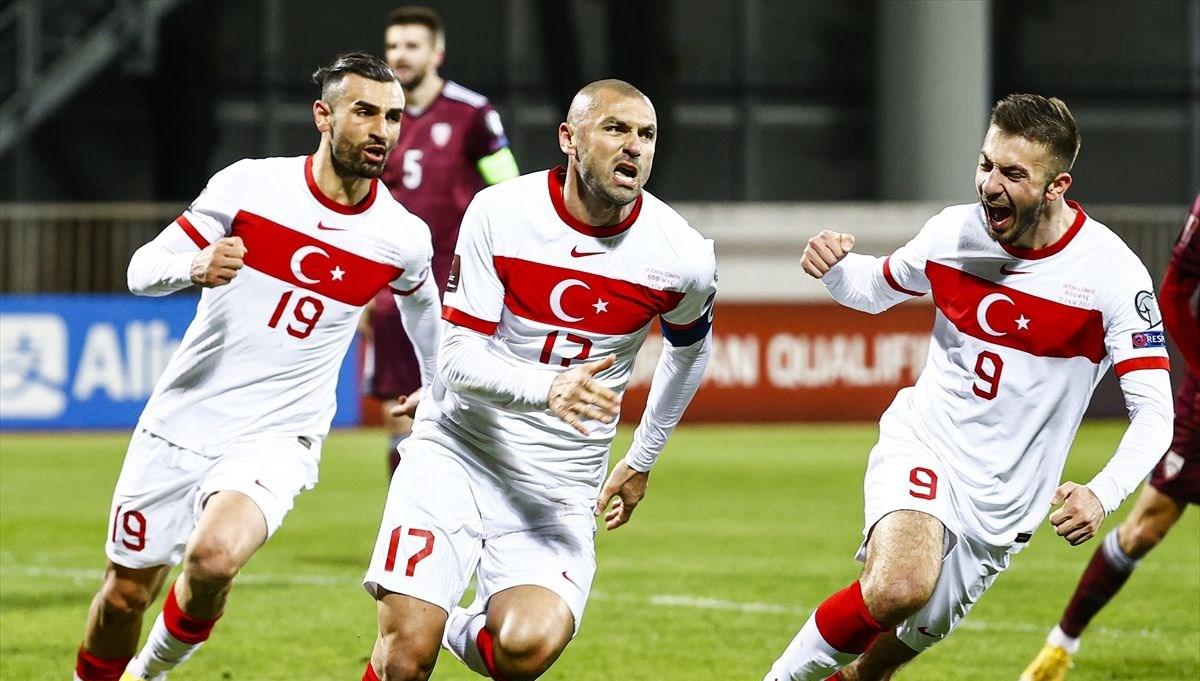Letonya-Türkiye maçı sonrası spor yazarları: Taktik-maktik yok