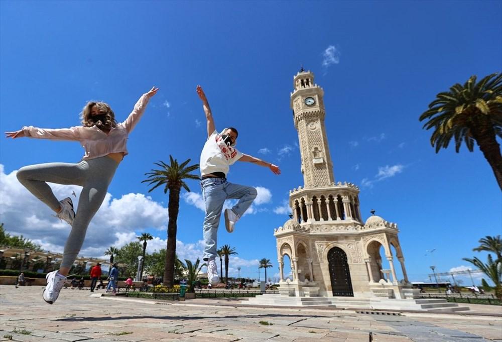 İzmir'de dansçılar meydanları sahneye dönüştürdü - 10