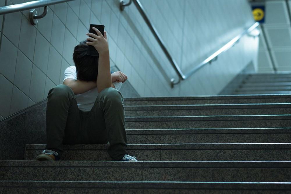 Araştırma: Çocukları ve ergenleri intihara sürükleyen 8 internet deneyimi - 3
