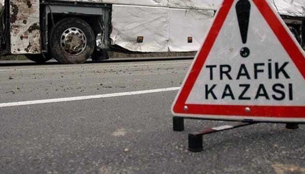 Uşak'ta 8 aracın karıştığı zincirleme trafik kazasında 8 kişi yaralandı