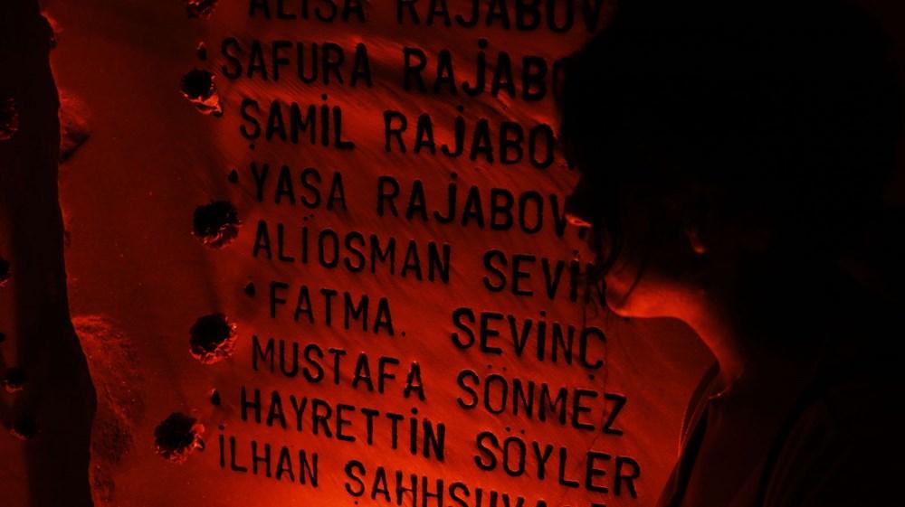 17 Ağustos depreminin 21. yılı: Hayatını kaybedenler törenle anıldı - 17