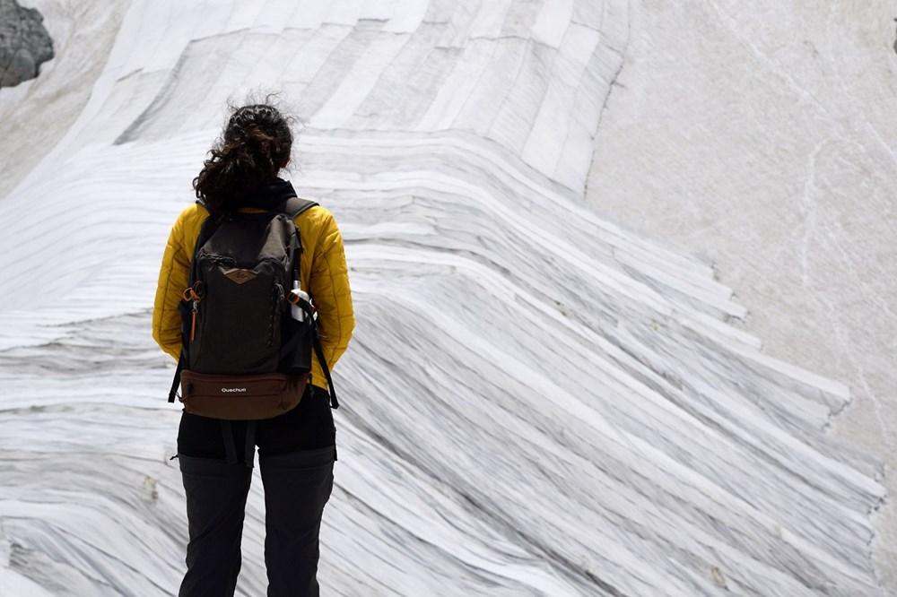 İtalyanlardan Presena buzulunun erimesine karşı muşamba önlemi: Yüzde 70'i korundu - 6