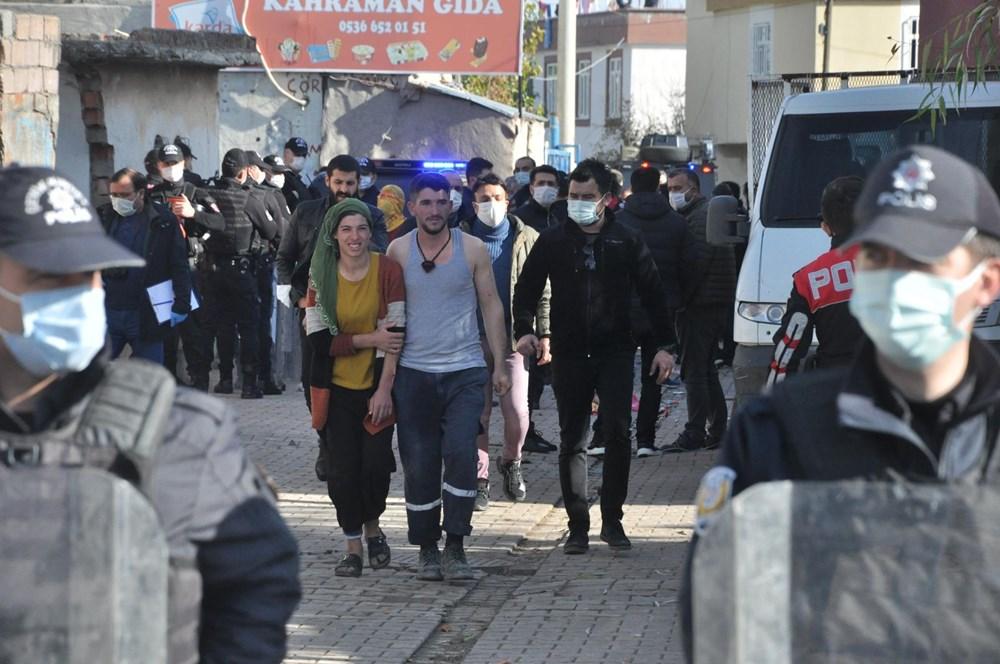 Diyarbakır'da kısıtlama gününde ortalık savaş alanına döndü: 20 yaralı - 7