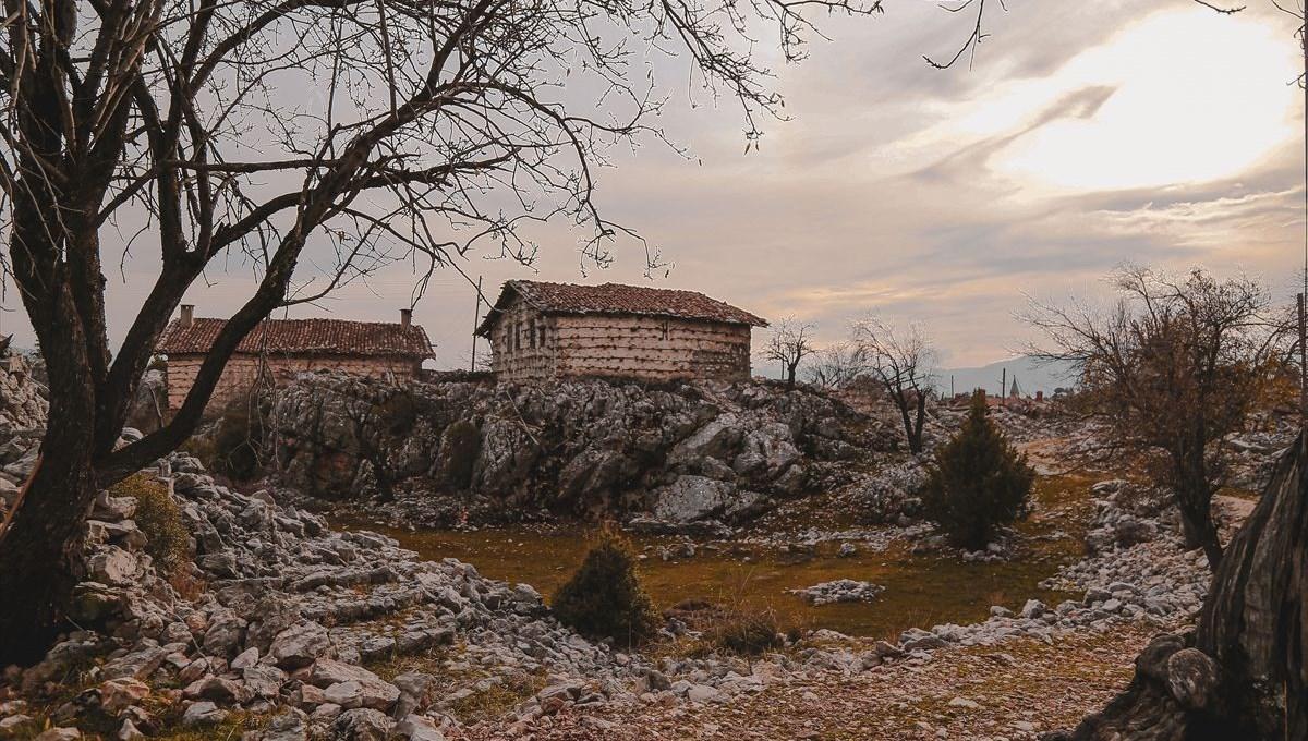 Yıllara meydan okuyan tarihi 'düğmeli evler' turizme kazandırılıyor