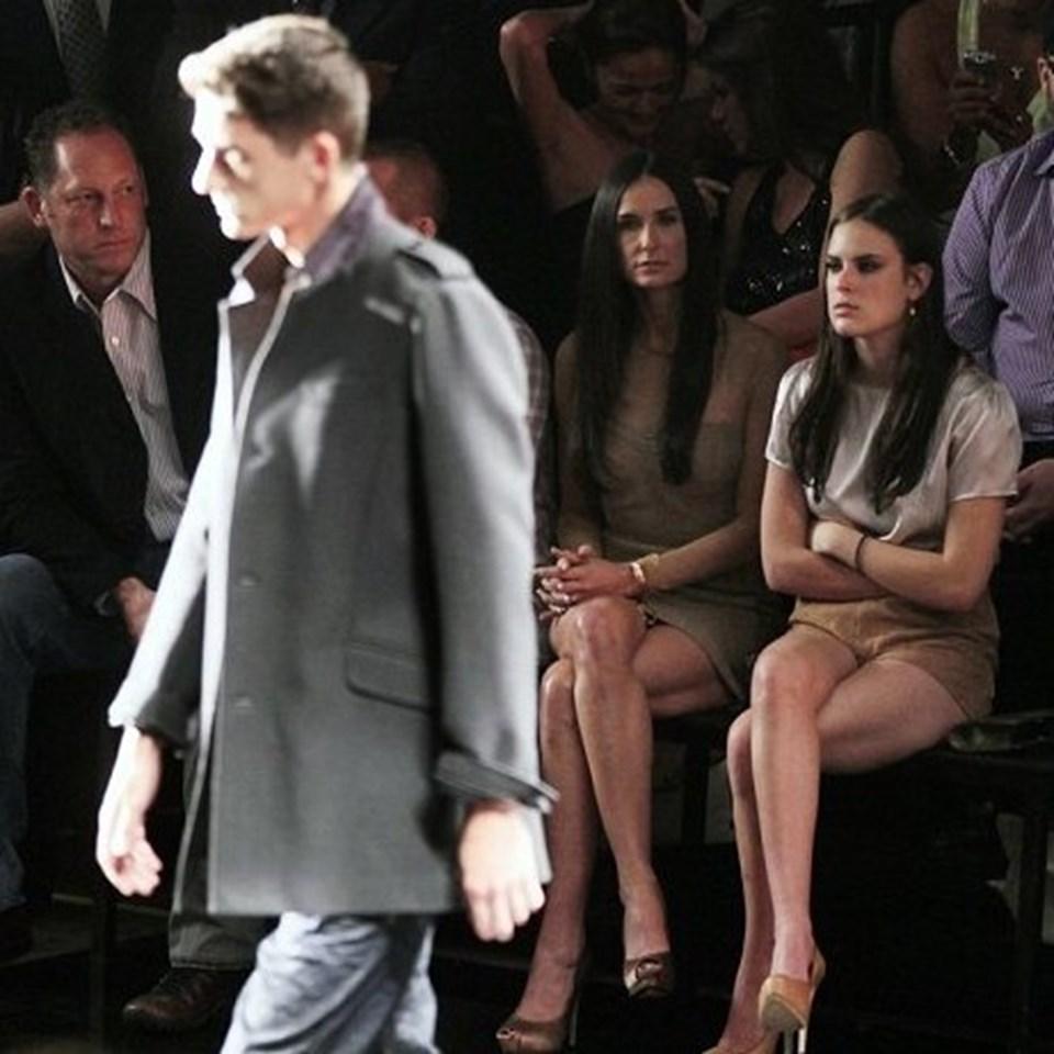 Kutcher yürüyüşüyle mankenleri aratmadı.