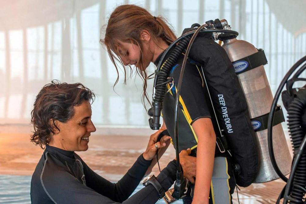 Dünyanın en derin yüzme havuzu Dubai'de açıldı: 60 metre derinliğe sahip - 12