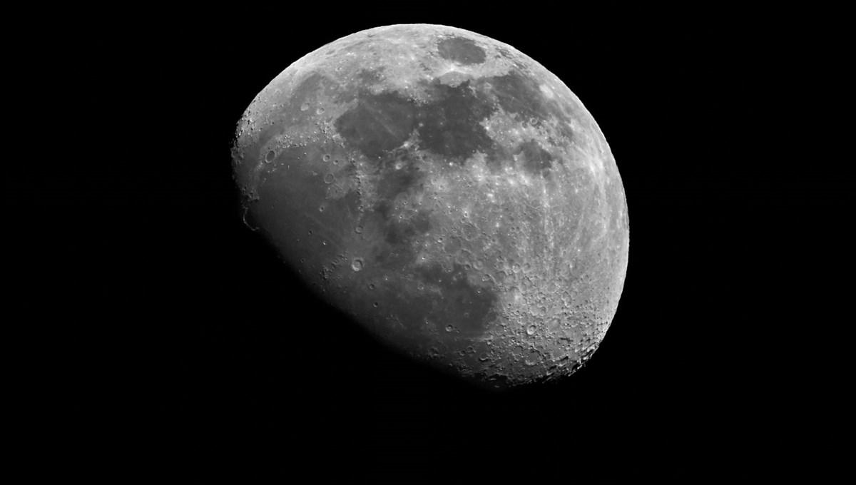 04.01.2021 ile 10.01.2021'de Ay boşlukta