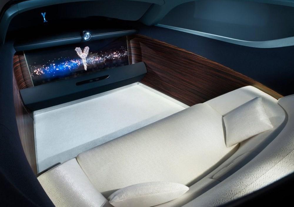 Rolls-Royce'un ilk elektrikli otomobili: İsmi açıklandı - 9