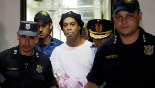 Hapishanedeki Ronaldinho'dan ailesine videolu mesaj