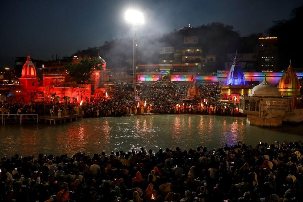 Hacılar Ganj Nehri'nde yıkandı: Hindistan'da günlük vaka sayısı rekor kırdı - 20