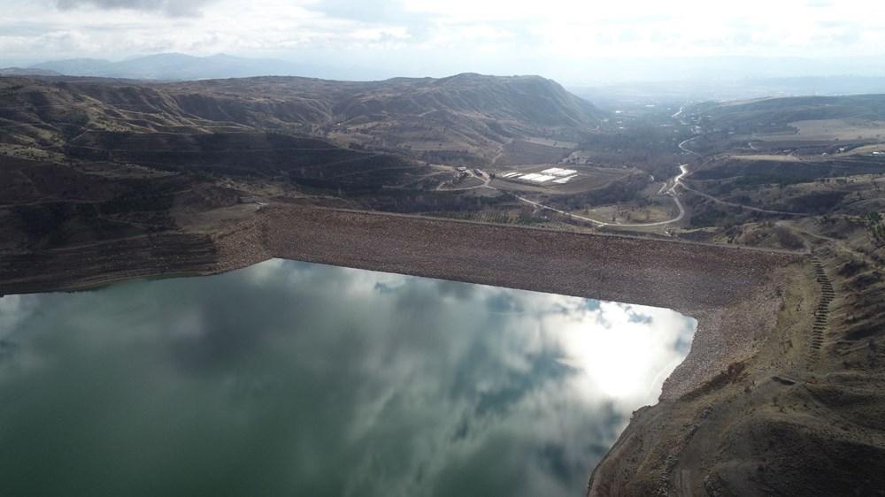Sivas'ta sular çekildi: Mezarlık ortaya çıtkı - 3