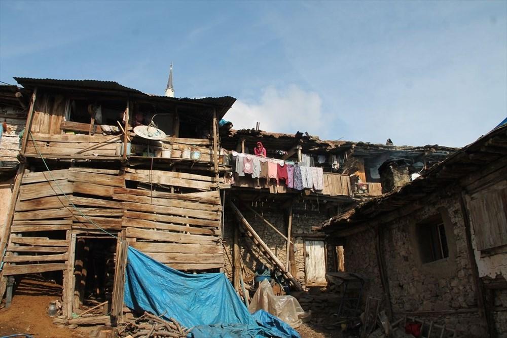 İç içe 35 ev! Burası Nepal değil Manisa - 11
