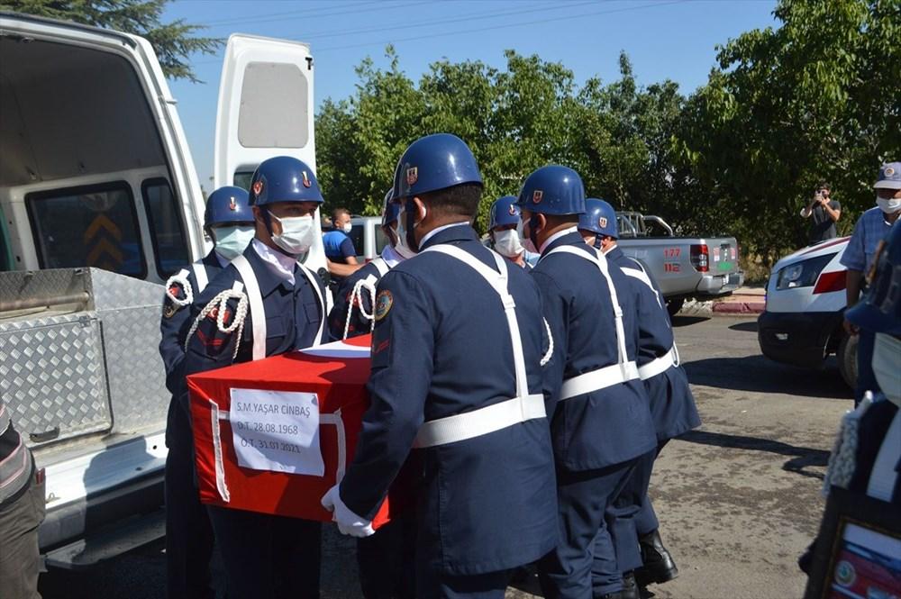 Manavgat'taki yangında ölen orman işçisi babasını cübbesiyle uğurladı - 3