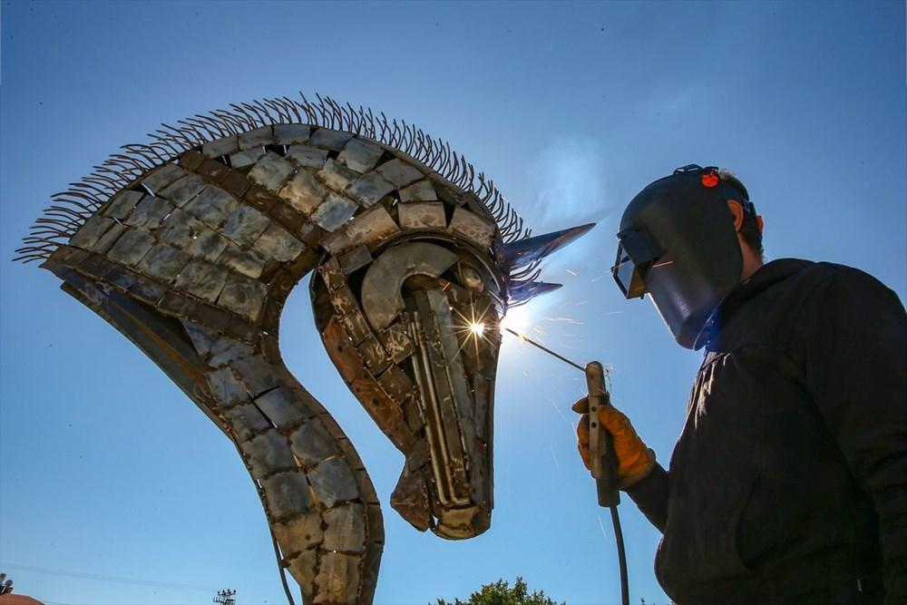 İranlı heykeltıraş Ali Mutii hurdaları sanata dönüştürüyor - 3