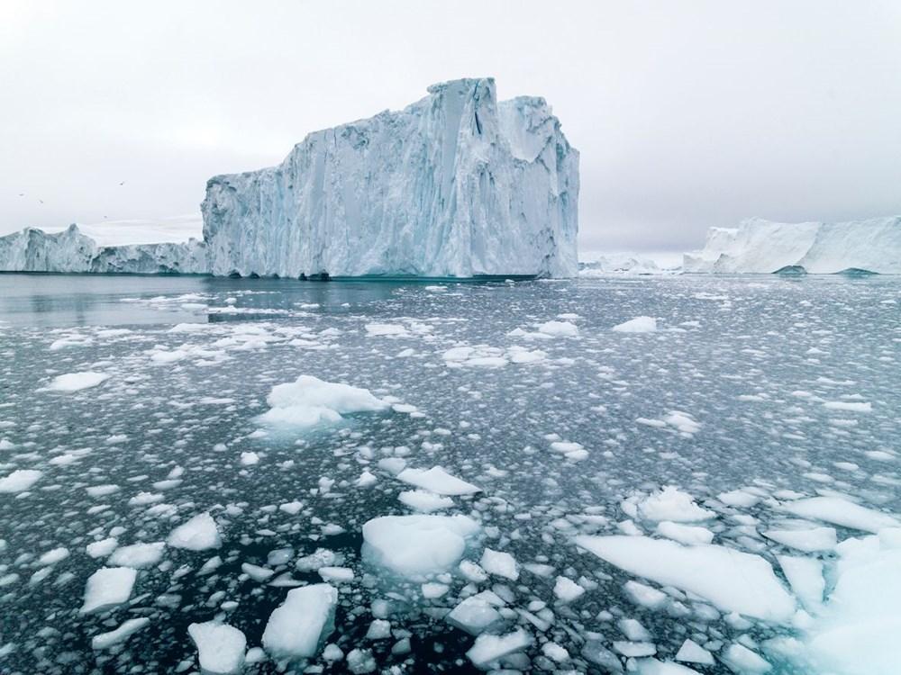 Grönland hızla eriyor: Son 2 günde 17 milyar ton buzul yok oldu - 1