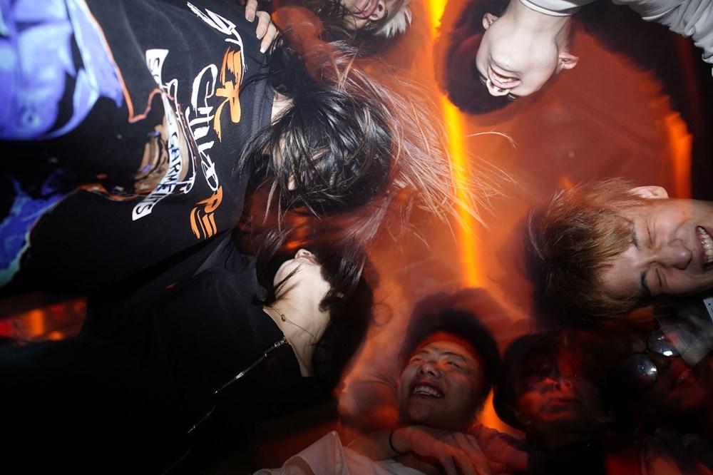 Wuhan'da gece hayatı: Partilere tepki yağıyor - 4