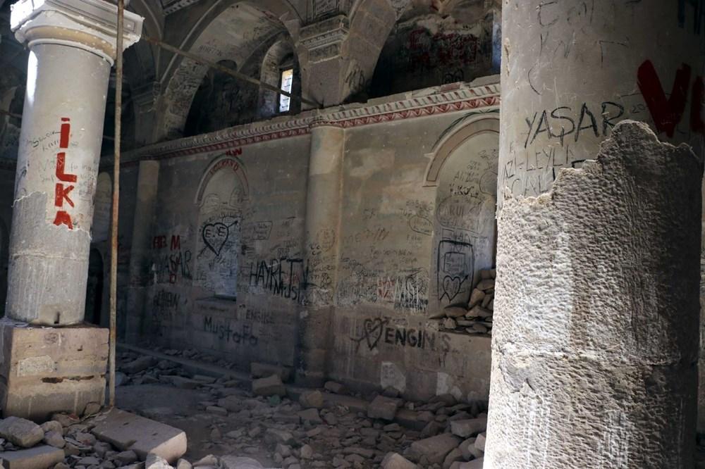Definecilerin tahrip ettiği tarihi kilise, restore edilecek - 11