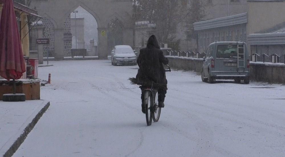 Kars merkeze mevsimin ilk karı düştü - 4
