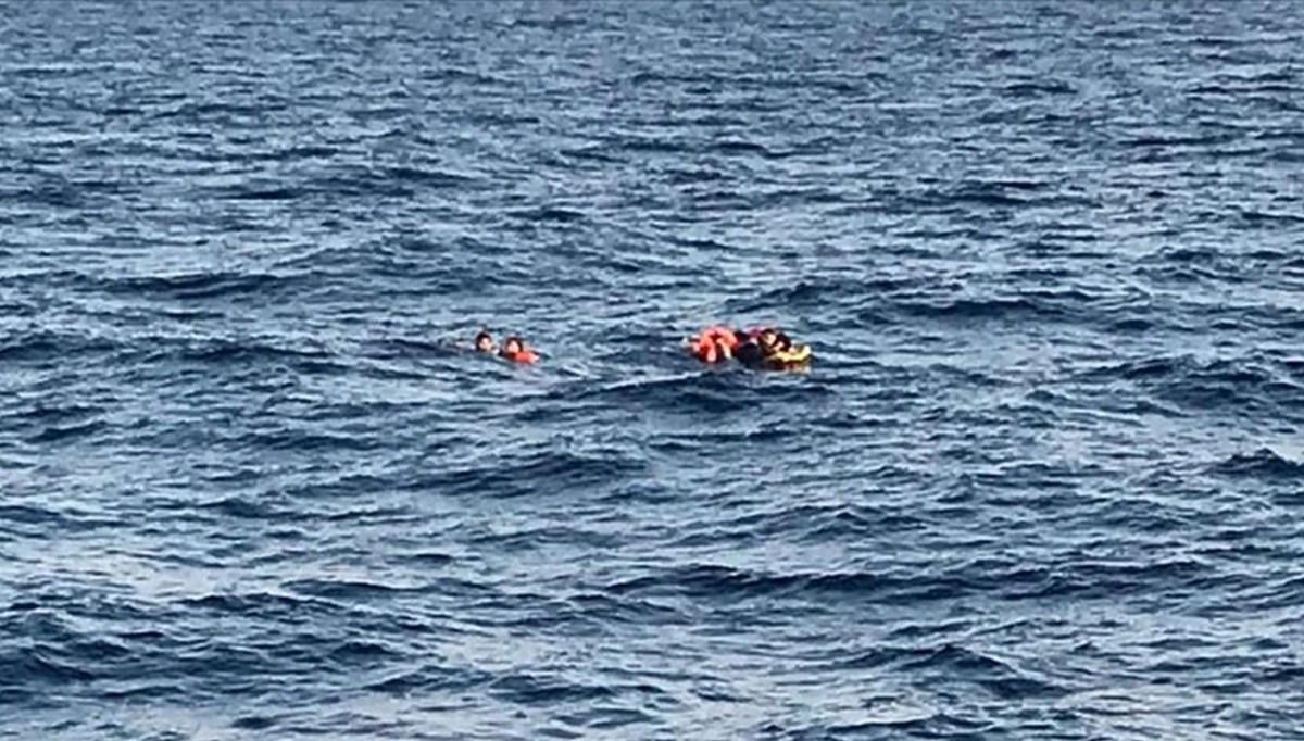 Yunanistan'ın Herke Adası açıklarında 80 göçmeni taşıyan bot battı