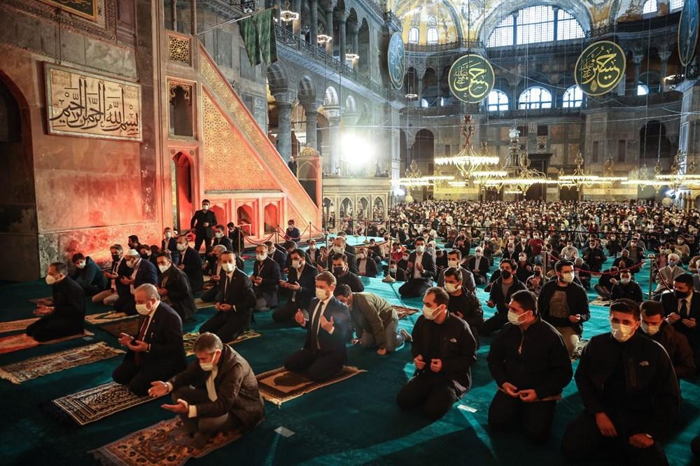 Ayasofya'da 87 yıl sonra ilk Ramazan Bayramı namazı kılındı - 12
