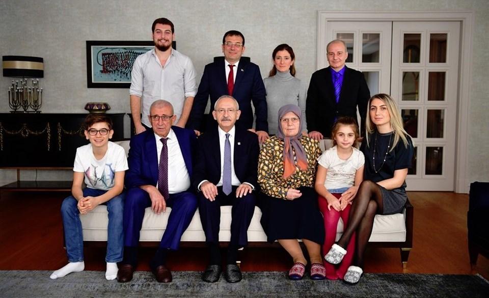 CHP Genel Başkanı Kemal Kılıçdaroğlu, Ekrem İmamoğlu'nu 13 Aralık'ta evinde ziyaret etmiş ve aile fotoğrafı çektirmişti.