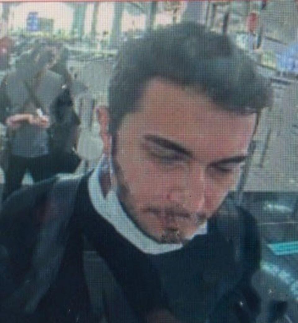 Özer'in yurtdışına çıkarken çekilmiş olduğu belirtilen fotoğrafı
