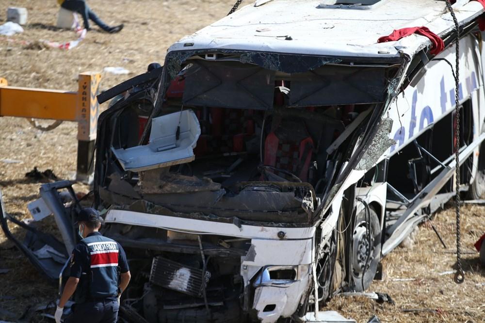 Balıkesir'de yolcu otobüsü devrildi: 15 kişi hayatını kaybetti - 35