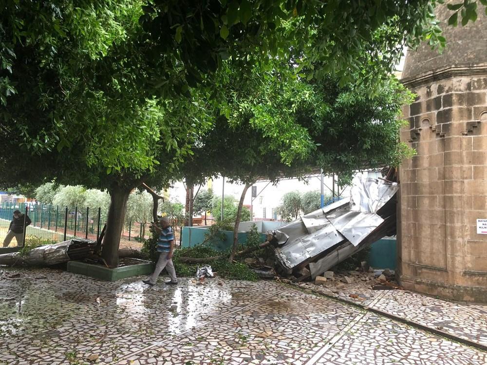 Antalya Kumluca'da kuvvetli rüzgar ve dolu: 1 ölü - 6