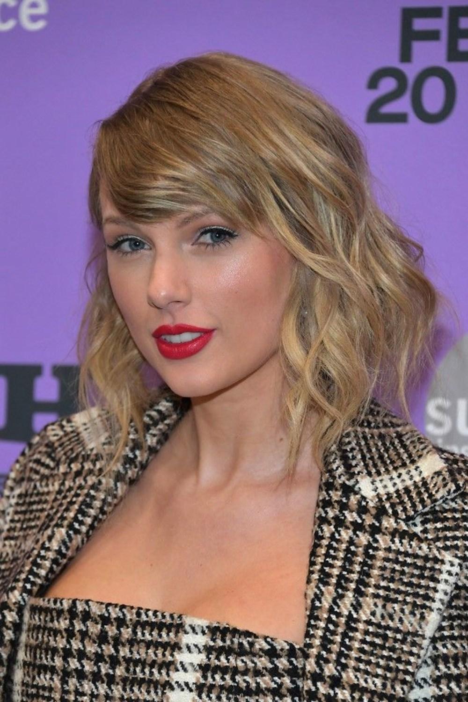 Taylor Swift'in Folklore albümü Billboard 200 zirvesinden inmiyor - 5