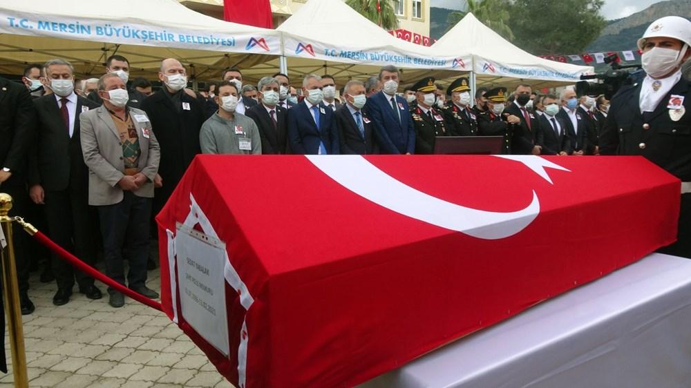 Zeynep Sena, Gara şehidi babası Sedat Yabalak'ı asker selamıyla uğurladı - 2