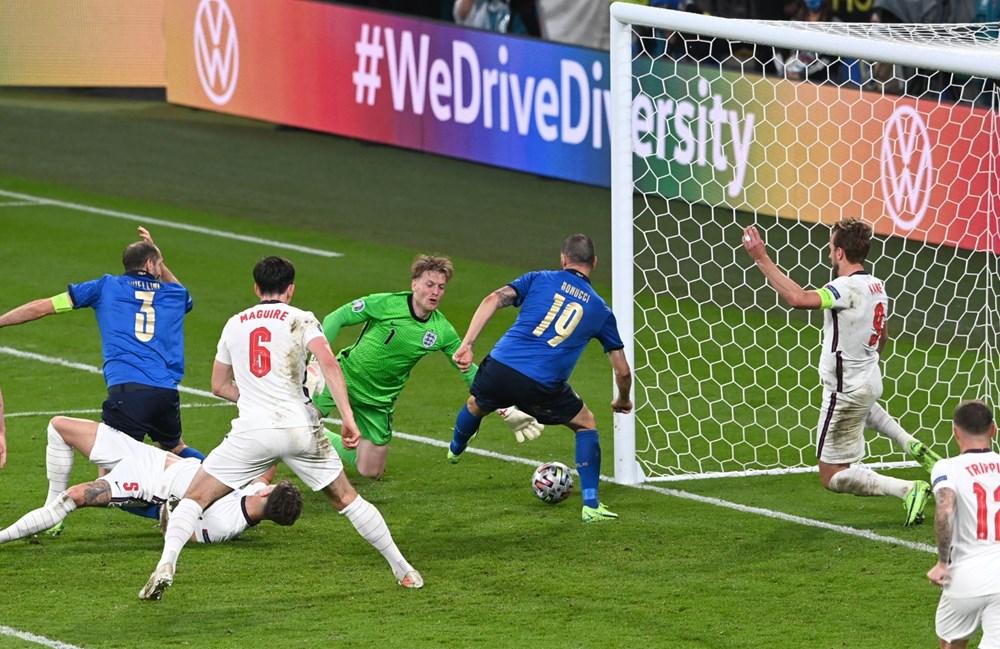 EURO 2020'de şampiyon İtalya - 7