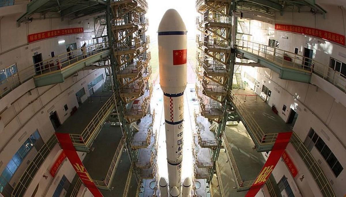 Çin, yörüngeye iki uydu gönderdi (Kütle çekimi dalgalarını inceleyecek)