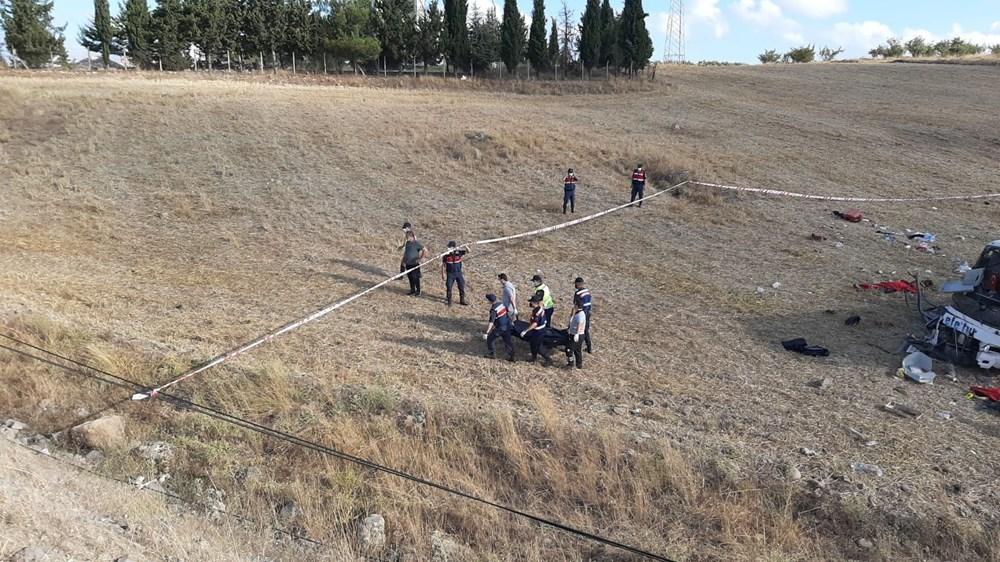 Balıkesir'de yolcu otobüsü devrildi: 15 kişi hayatını kaybetti - 14