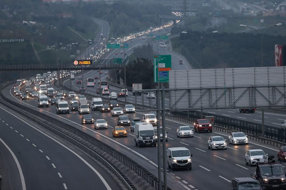 İstanbul'da, 'tam kapanma' öncesinde kaçış trafiği - 1