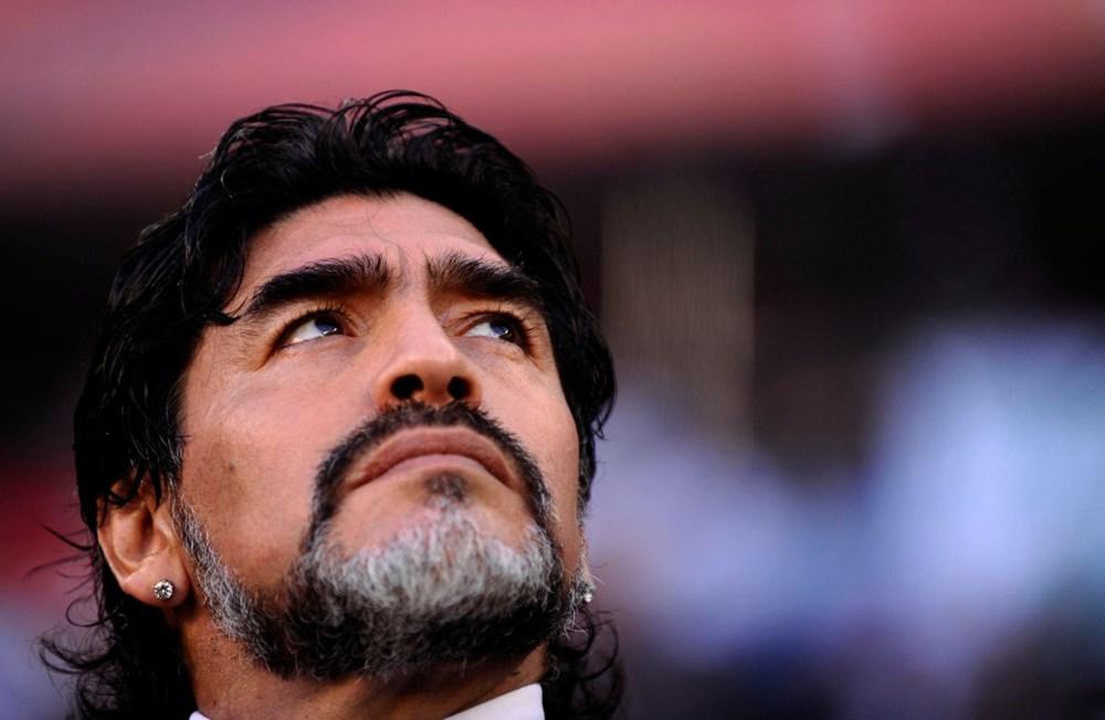 Futbol dünyasından Armando Maradona geçti - 14