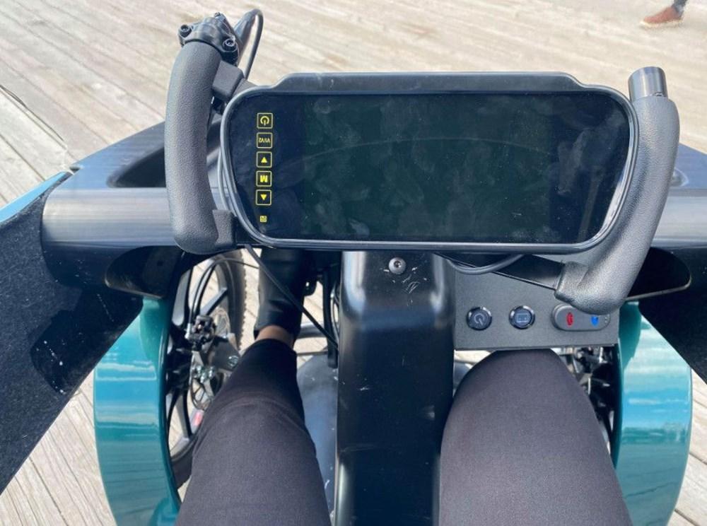 Konforlu seyahat için dört tekerli elektrikli bisiklet - 7