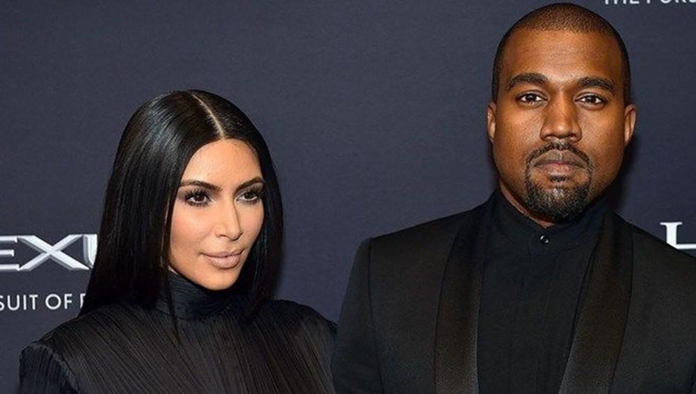 Kim Kardashian'ın imzasındaki ayrıntı - 8