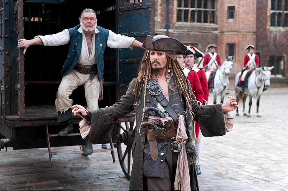 Johnny Depp tahtını Margot Robbie'ye kaptırabilir (Karayip Korsanları hakkında her şey) - 19