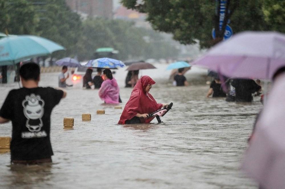 Çin'de 'bin yılın en şiddetli yağmuru' sele neden oldu: 12 kişi hayatını kaybetti - 9