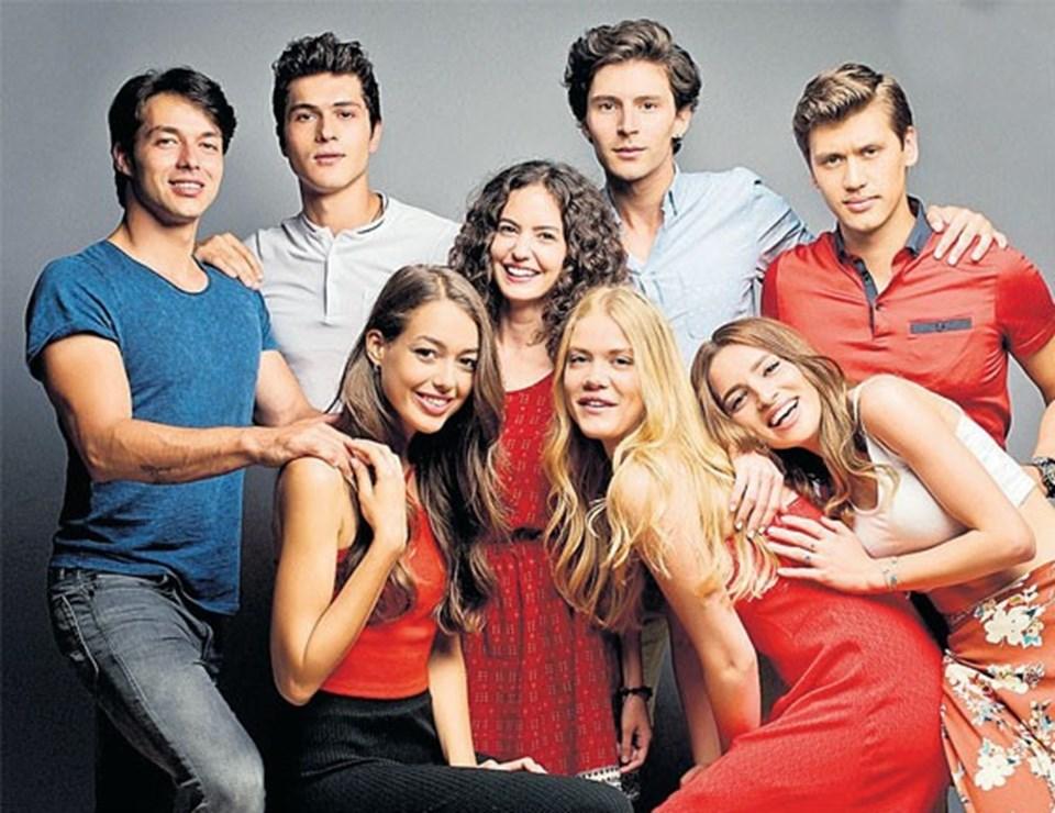 Serel Yereli'nin rol aldığı Bodrum Masalı sezon finali yapmıştı. Yeni sezonda devam etmesi beklenen dizi final yapmadan yayın hayatına son verdi.