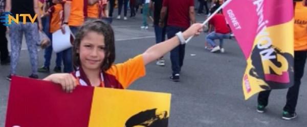 Galatasaray tren kazasında hayatını kaybeden küçük taraftarını unutmadı