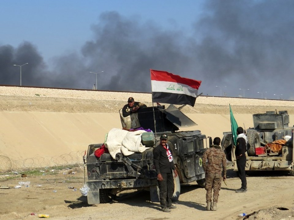 Irak ordusunun IŞİD'e karşı Ramadi operasyonu hafta başında başlamıştı. IŞİD'in Ramadi kent merkezinde 300 militanının olduğu tahmin ediliyor.