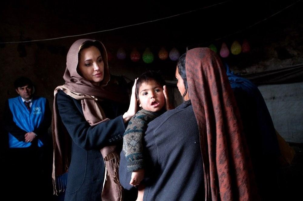 Angelina Jolie: Afgan kadınları ve çocukları düşünüyorum - 2